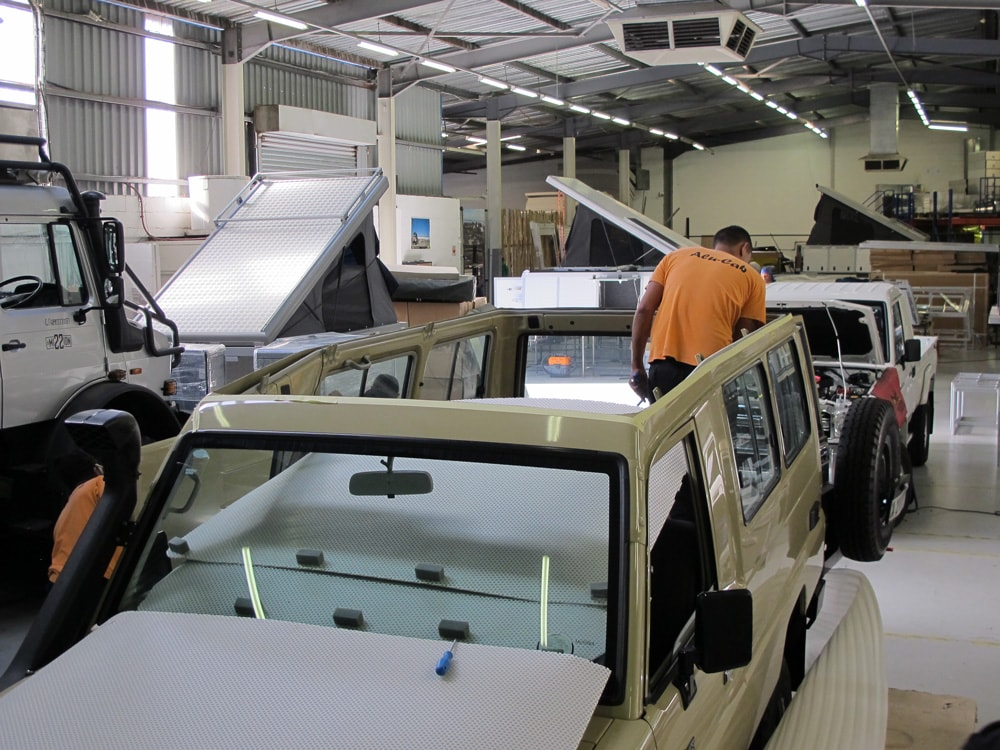 Installing Alu-Cab Pop-Top Roof on Land Cruiser Troopy