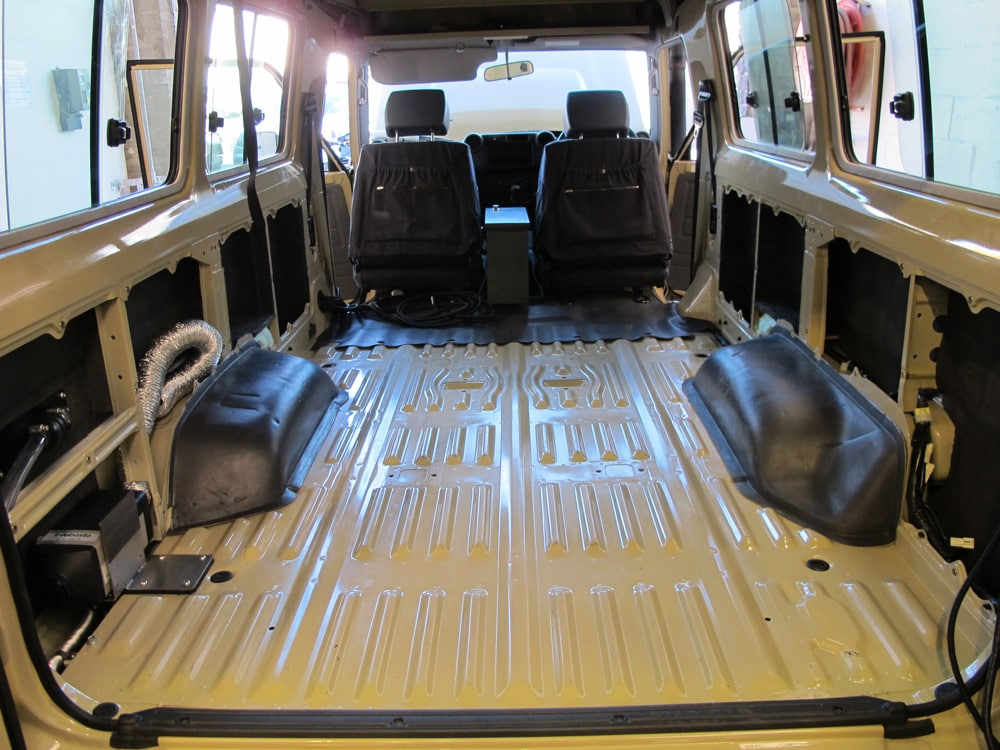 Insulating the interior of Land Cruiser Troopy during camper conversion