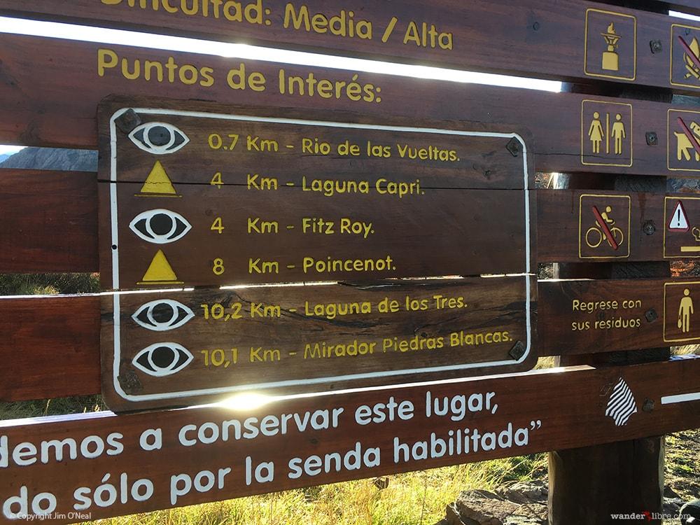 Trailhead to Laguna de Los Tres